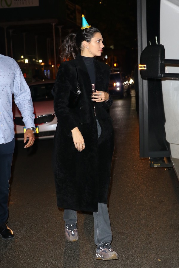 coat kendall jenner fall outfits kardashians model off-duty jeans