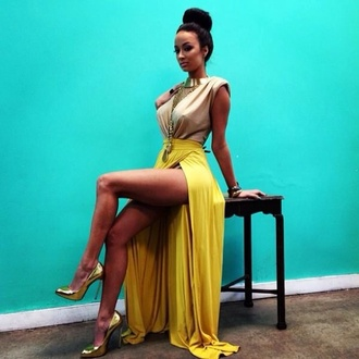 dress trending now summer outfits spring summer 2014 maxi dress yellow summer dress taupe i love this double slit skirt gold pointed toe pumps gold pumps draya draya michele basketball wives low back dress two toned maxi taupe maxi dress