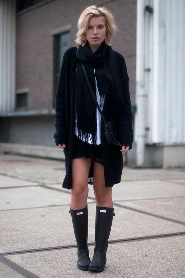 red reiding hood blogger cardigan top shoes scarf bag
