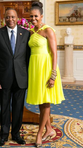dress yellow yellow dress pumps michelle obama first lady outfits