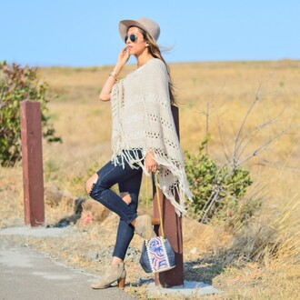 cuppajyo blogger poncho ripped jeans holes