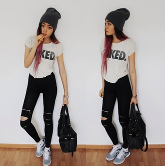 pants black white black pants white t-shirt white and black pants style shirt hat bag shoes