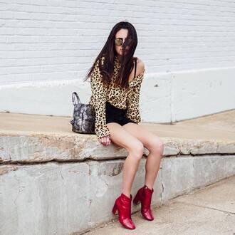 shirt black shorts sunglasses tumblr leopard print shorts denim denim shorts boots red boots ankle boots bag shoes