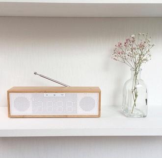 earphones radio wood white clock
