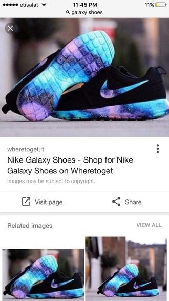 shoes roshe runs black sneakers nike low top sneakers galaxy print