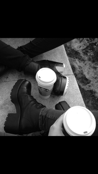 shoes grunge shoes platform shoes black boots tumblr shoes pale