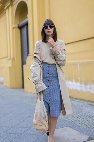 skirt net bag tumblr midi skirt button up gingham gingham skirt coat trench coat bag mesh sunglasses t-shirt