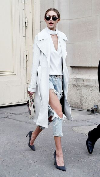 top trench coat white choker top grey pumps pumps acid wash jeans ripped jeans choker top gigi hadid sunglasses pointed toe pumps pouch white top white trench jeans