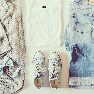 sweater cute beautiful autumn fasion blouse jeans shoes converse bows nail polish outfit hair accessories