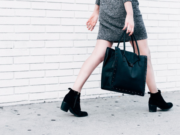 fire on the head blogger grey dress black bag sweater dress shoes bag