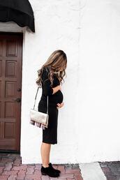 mint arrow,blogger,top,shoes,dress,bag,maternity,maternity dress,shoulder bag,black dress,booties