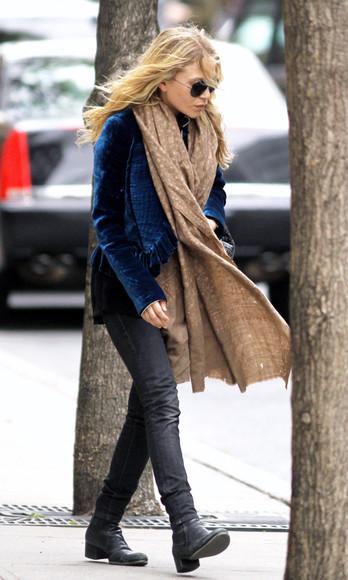 olsen sisters sunglasses jacket shoes jeans blogger scarf