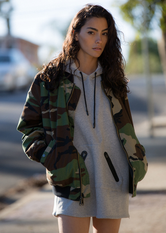 sweat the style blogger grey sweater camo jacket grey hoodie