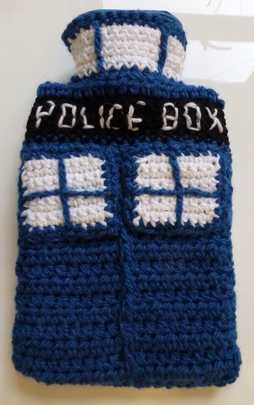 gift present bottle cute christmas hot bag doctor who matt smith water hot water bottle warm doctor who david tennant christmas present