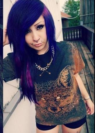 shirt t-shirt pattern verena schizophrenia shorts necklace hair brown black gold fox
