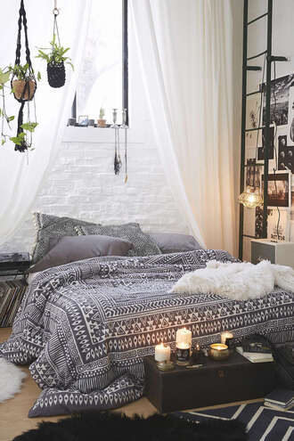 home accessory bedding bedroom tumblr bedroom cute tumblr style black white pinterest comfy urban outfitters print