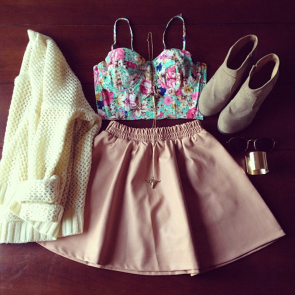 white pink skirt sweater beige cream cream sweater shirt cream shirt skirt cream top bralette corset floral boots cuff bracelets cuffs necklace floral bralet floral shirt floral top beige shoes cream cardigan floral corset top floral crop top boot suede boots suede bustier