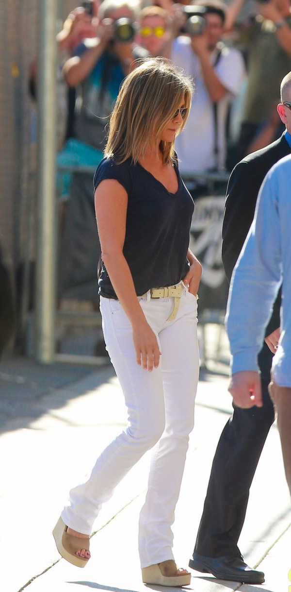 pants white pants jennifer aniston top sandals wedges shoes