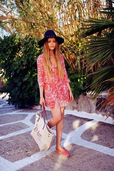 shoes bag jewels tote bag blogger summer outfits kayture hat dress louis vuitton espadrilles summer dress