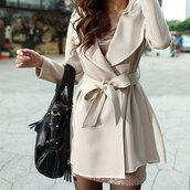 coat,fashion,trench coat,jacket,windbreaker,hooded winter coat,pleated,hem,line,pretty