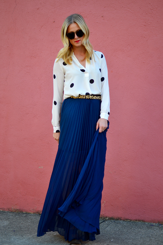 out+outfit blogger top skirt belt sunglasses pleated skirt blue skirt long skirt white blouse
