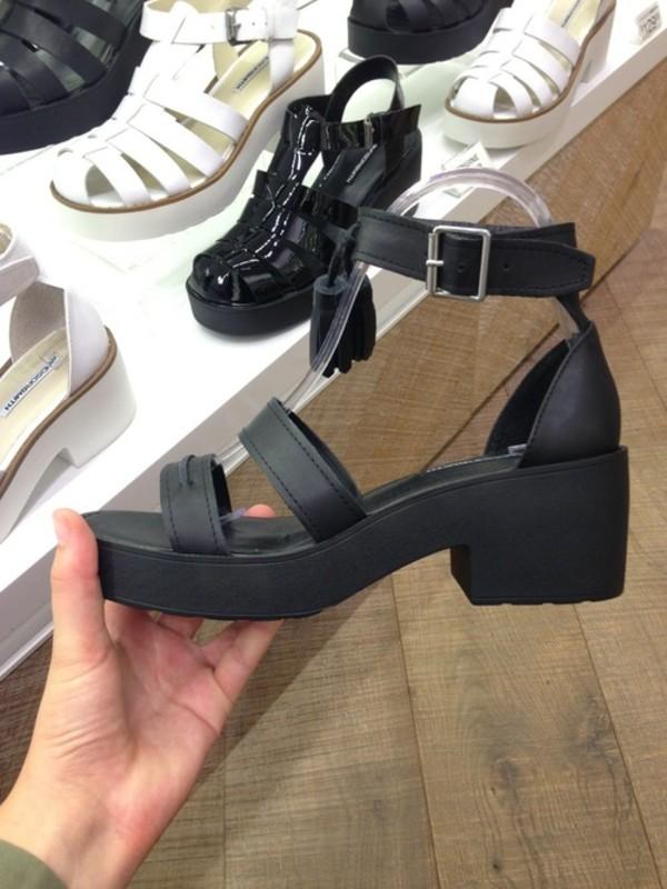 shoes shoes black shoes platform shoes perfecto boots booties cut-out summer shoes black sandals