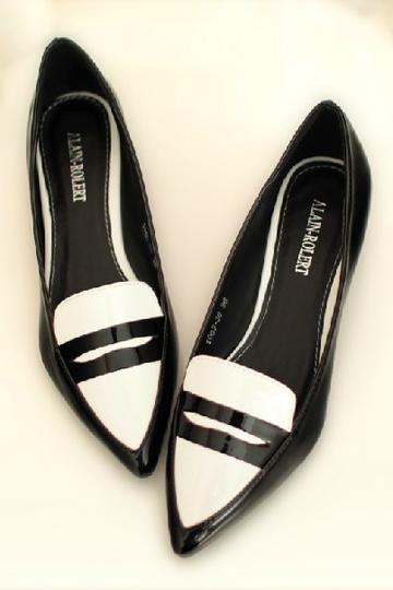 Classic Black and White Flat [FABI1300] - PersunMall.com