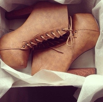 style heels boots