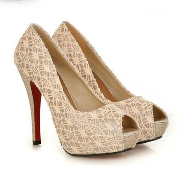 shoes high-heeled