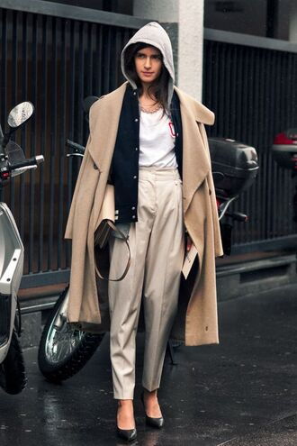 coat tumblr tumblr outfit streetstyle white and beige outfit white and beige beige coat white top beige pants pumps pointed toe pumps high heel pumps