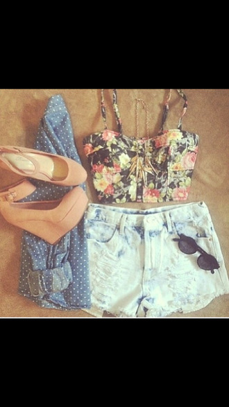 blue shorts top jacket necklace tumblr shorts high heels cute outfit roses cute crop top floral crop top high top shorts tumblr outfit tumblr shirt jewels two-piece