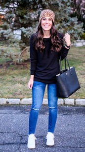 mrscasual,blogger,sweater,hat,jeans,shoes,bag,jewels,tote bag,beanie,black hoodie,sneakers