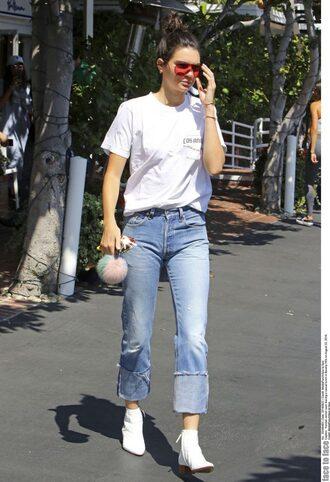 jeans ankle boots kendall jenner kardashians top t-shirt sunglasses shoes