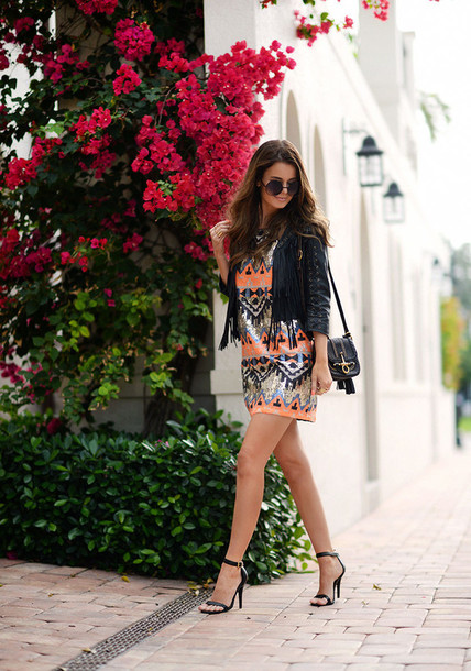 stylista blogger date outfit aztec embroidered sequin dress shift dress dress jacket bag shoes sunglasses
