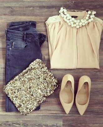 blouse clothes shoes pink pastel gold sequins jeans skinny skinny jeans sequin clutch nude heels pale pink heels pink blouse bag