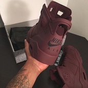 shoes,red,rouge bordeaux,burgundy,nike,nike air,nike shoes,high top sneakers