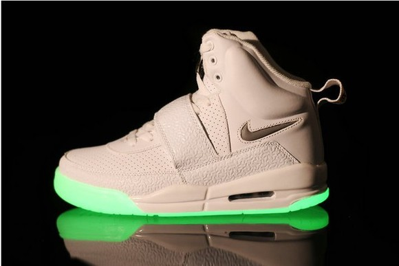 shoes kanye west yeezy white white, yeezus, kanye west yeezus glow in the dark nike sneakers sneakers swag