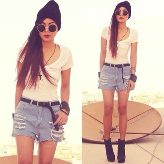 t-shirt hipster white flowy sunglasses jewels shoes hat