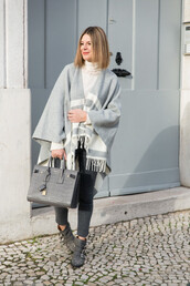 the working girl,blogger,top,jeans,poncho,grey,bag,turtleneck