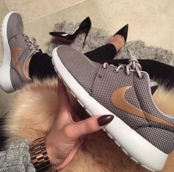 huge discount 5d942 ecafb shoes gold nike roshe run nike running shoes nike roshe runs grey tennis  shoes fashion toast