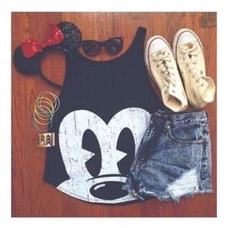 shirt mickey mouse minnie mouse shorts hat sunglasses jewels shoes t-shirt