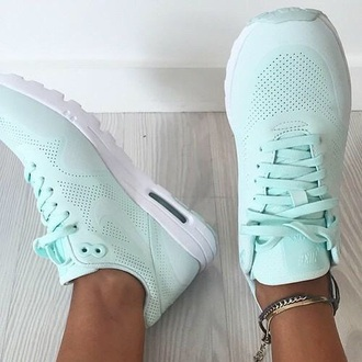 shoes nike shoes nike running shoes nike air nike shoes womens roshe runs nike free run nike trainers mint green shoes pastel sneakers