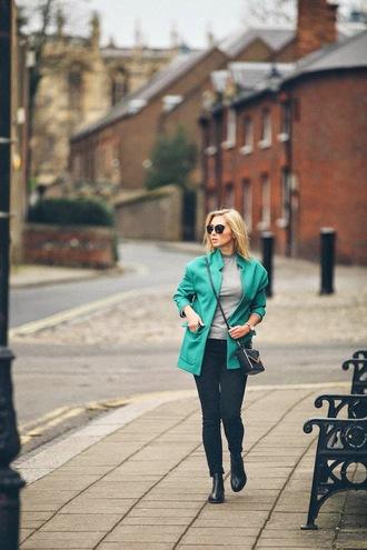 fashionism blogger green jacket