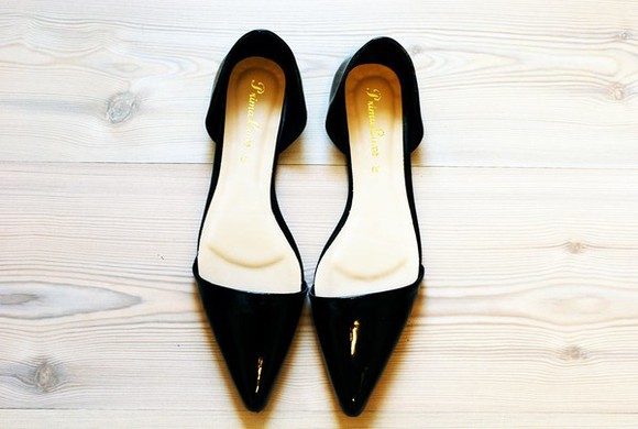 shoes flat shoe black flats pointedflatshoes pointed flat shoes pointed flats pointed clothes clothing vintage dark elegant classy class