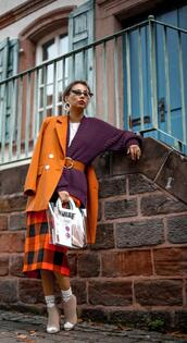 different cands,blogger,jacket,cardigan,skirt,bag,sunglasses,fall outfits,fall colors