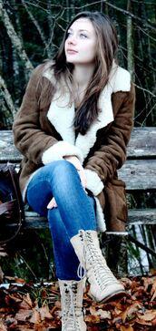 coat,brown coat,white fur,suede jacket