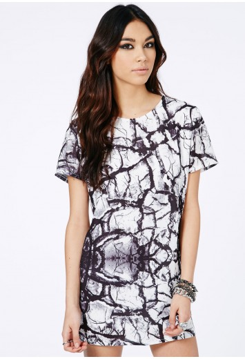 Aticka Graphic Print Oversized Mini Dress - Dresses - Shift Dresses - Missguided