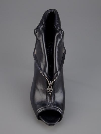 Alexander mcqueen vintage zipped ankle booties