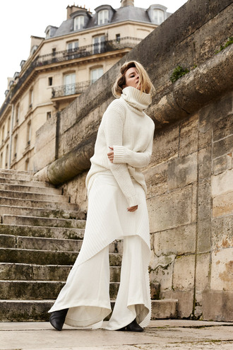 oracle fox blogger sweater white pants white sweater turtleneck turtleneck dress sweater dress black boots