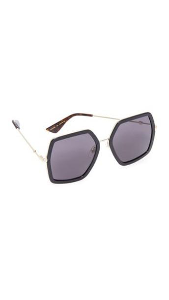 Gucci Urban Web Block Sunglasses in black / grey